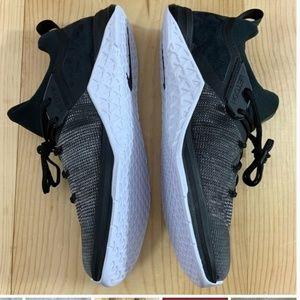Nike Shoes - Women's Nike Metcon Flyknit 3 Cross Training Shoe